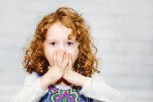 Les raisons pour lesquelles les enfants mentent et est-ce normal